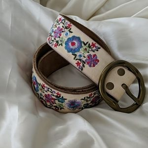 Lucky Brand Floral Embroidered Leather Belt SZ S